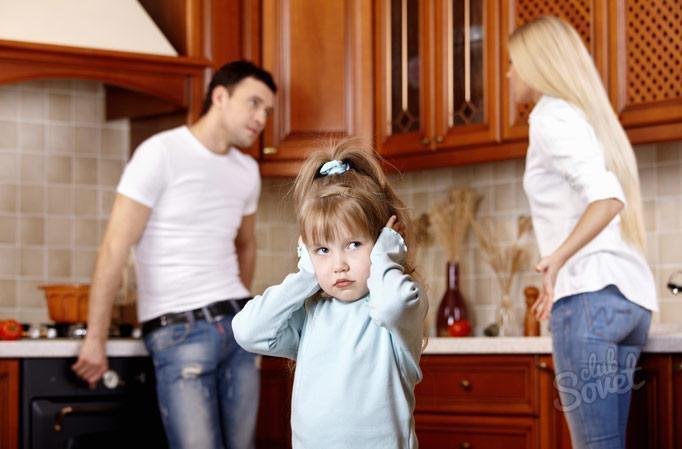 Как отсудить ребенка у отца после развода